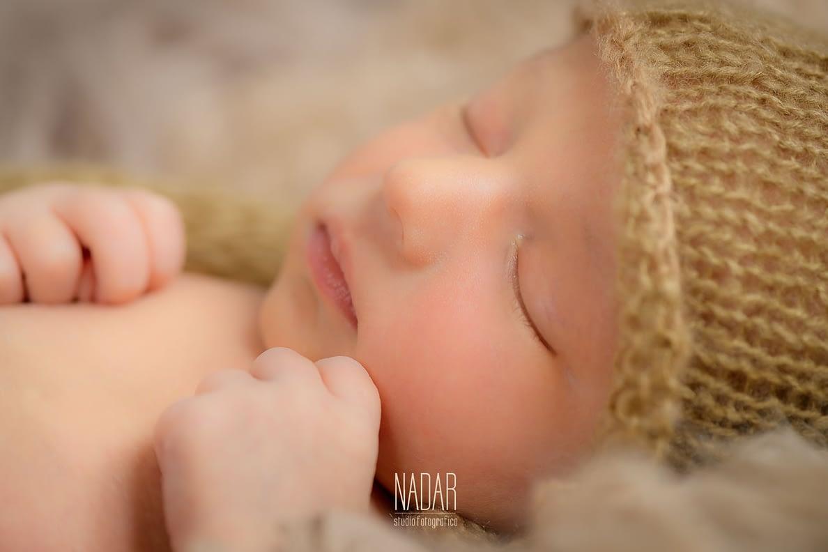 Devién dorme profondamente tra le copertine di lana