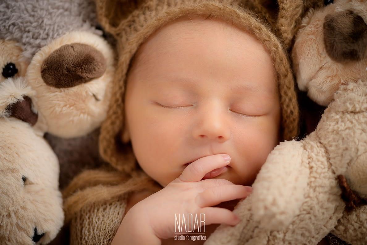 Dettagli di un bimbo molto assonnato