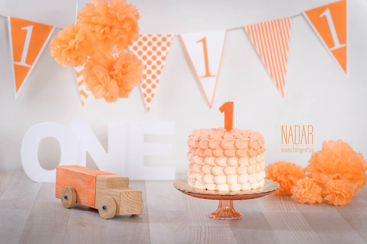 Il set smash cake dai toni dell'arancione
