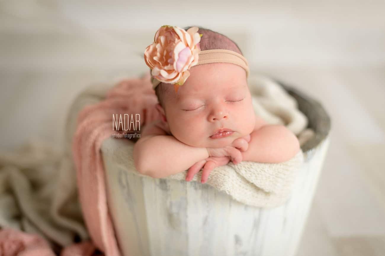 neonata che dorme