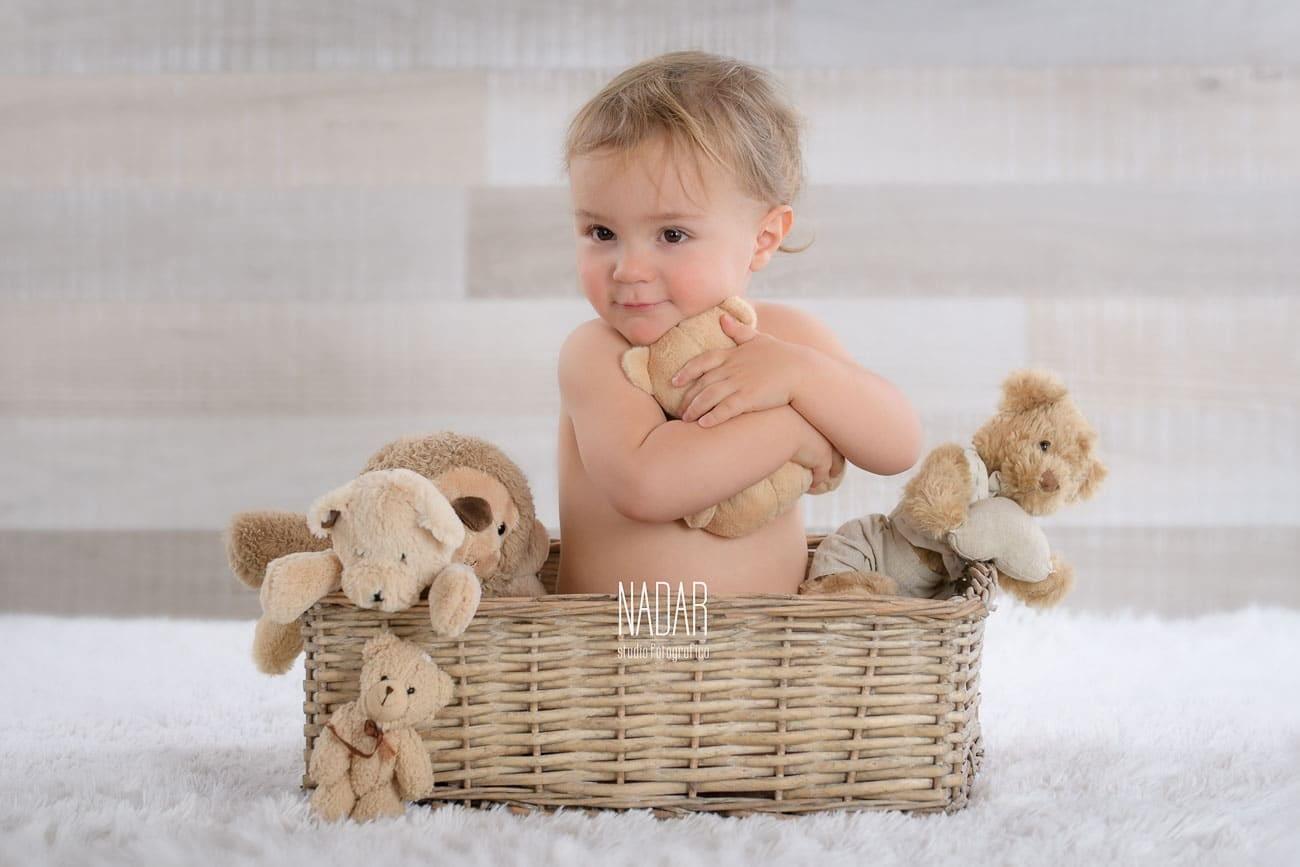 bambino durante un servizio fotografico